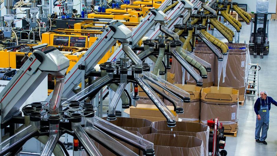 Besonders der hohe Bedarf von Deutschlands Industrie stützt die Wirtschaft der Nachbarländer.