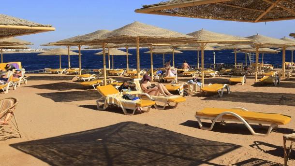 Urlaubskonzerne sagen Reisen nach Ägypten ab