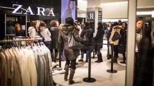 Zara zerstört T-Shirts mit KZ-Optik