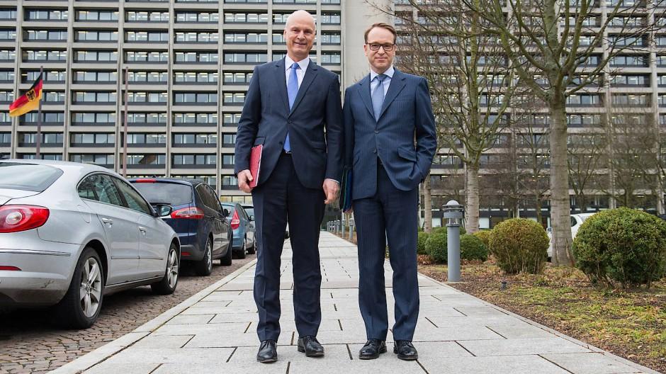 Vorstand Carl-Ludwig Thiele und Präsident Jens Weidmann am Donnerstag kurz vor der Vorstellung der Bundesbank-Bilanz