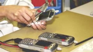 Erstes UMTS-Handy geht in Serie