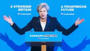 May macht Wahlkampf mit dem harten Brexit