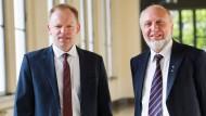Der alte und der neue Ifo-Chef: Hans-Werner Sinn (rechts) mit Clemens Fuest (links)