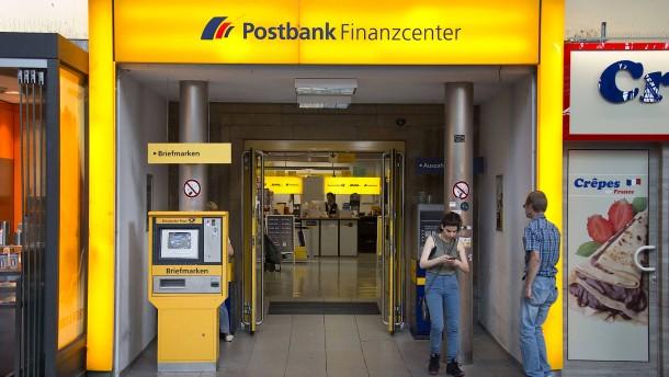 18.000 Postbank-Beschäftigte streiken