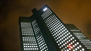 Gerüchte um neue Eigentümer treiben Aktienkurs der Deutschen Bank