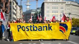 Mehr Geld und längerer Kündigungsschutz für Beschäftigte der Postbank