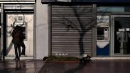 Griechen bringen weiter Geld in Sicherheit