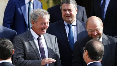 Martin Schulz, Sigmar Gabriel (beide SPD) und Frankreichs Präsident Francois Hollande in Paris.