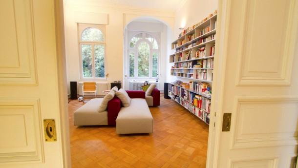 Neue Architektur: Die sechsköpfige Familie Ruess lebt in Bonn in einem denkmalgeschützen Haus, dass saniert und individuell umgestaltet wurde.