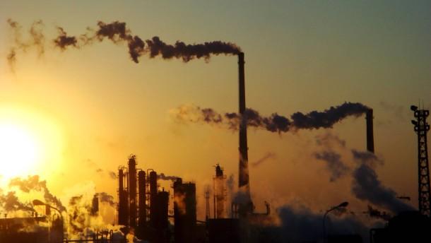 Ungleiche Entwicklung: Emissionen steigen in China, fallen in EU