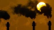 Verschmutzungsrechte sollen mehr Geld kosten. Das zumindest findet die Internationale Energieagentur.