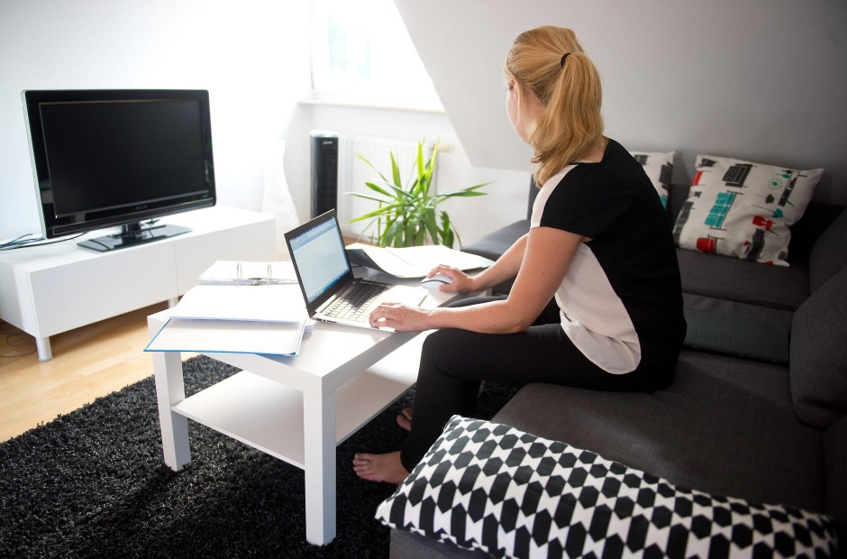 bild zu zu hause arbeiten die deutschen m gen home. Black Bedroom Furniture Sets. Home Design Ideas