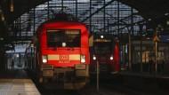 Bahn macht Lokführern neues Angebot