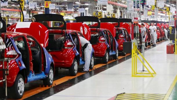 Fiat Chrysler muss fast zwei Millionen Autos zurückrufen