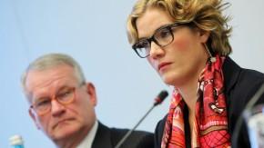Yvonne Bauer, die Verlegerin des Bauer-Verlages, mit ihrem Vater Heinz Bauer
