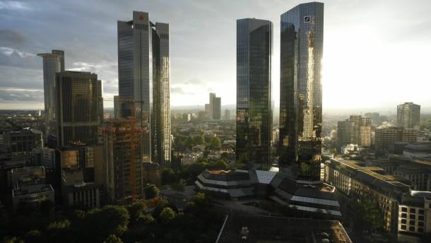 Investmentbanker füllen Deutscher Bank die Kasse