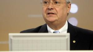 Commerzbank will Kassen für Milliardenübernahmen füllen