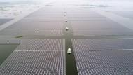 Das größte schwimmende Solarkraftwerk der Erde in Huainan.