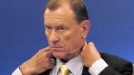 Jürgen Schrempp während einer Daimler-Pressekonferenz am 10. Februar 2005.