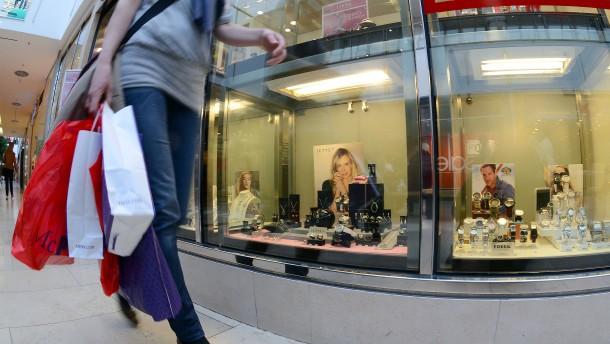 Deutsche nehmen weniger Plastiktüten