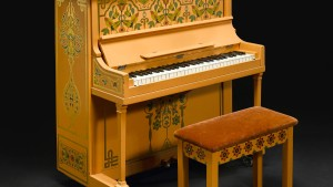 "Klavier aus ""Casablanca"" versteigert"