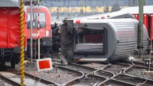 Schaden aus Mannheimer Zugunglück mindestens sechsstellig
