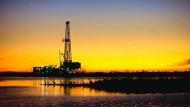 Sie pumpen und pumpen: Die Erdöl fördernden Ländern kämpfen um ihre Anteile auf dem Weltmarkt.