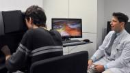 Operieren am Simulator: Für Medizinstudenten ein prima Training.