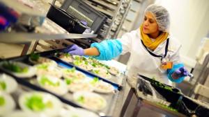 Die Lufthansa will nicht mehr selbst kochen