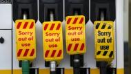 Panikkäufe haben Benzin im Vereinigten Königreich knapp werden lassen.