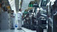Arbeiter in einer chinesischen Peugeot-Fabrik