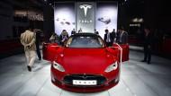 Vater von verunglücktem Chinesen verklagt Tesla