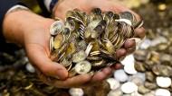 Wer soll künftig über das Geld entscheiden, wenn ein Euroland in Not gerät?