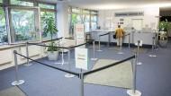 Leere Jobcenter, volle Arbeitslosenkassen: So entsteht mehr Spielraum zur Senkung der Sozialabgabe.