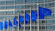 Europafahnen vor der EU-Kommission in Brüssel.