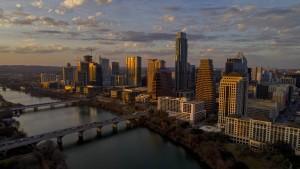 Mindestens 14 Verletzte bei Schüssen vor Bar in Austin