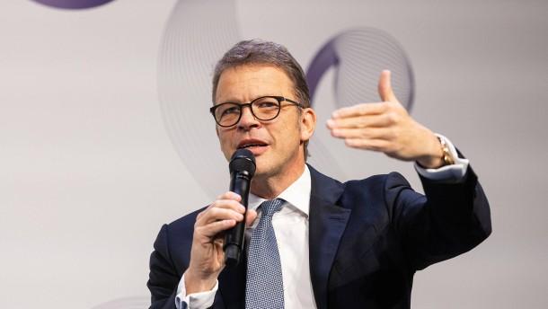 Fallen 9000 Stellen in Deutschland weg?