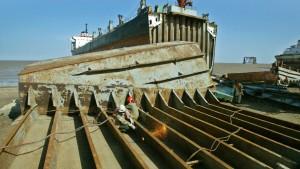Hapag-Lloyd will alte Schiffe künftig selbst abwracken