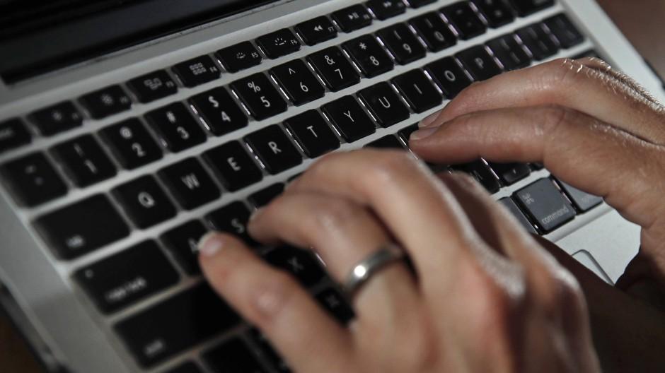 In der Pandemie hat die Zahl an Hacker-Angriffen auf Unternehmen weiter zugenommen.