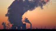 Braunkohlekraftwerk in Niederaußem: Der Pariser Vertrag legt Klimaschutzziele für die kommenden Jahre fest.