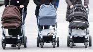 Neben der Einwanderung hält auch eine steigende Geburtenrate den Bevölkerungsschwund auf.