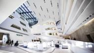 Schöner studieren: Die Stararchitektin Zaha Hadid hat an der Wirtschaftsuniversität Wien die Moderne schon mal in die Bildungslandschaft transportiert.