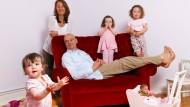 Arbeitende Eltern sind von Gewissensbissen geplagt