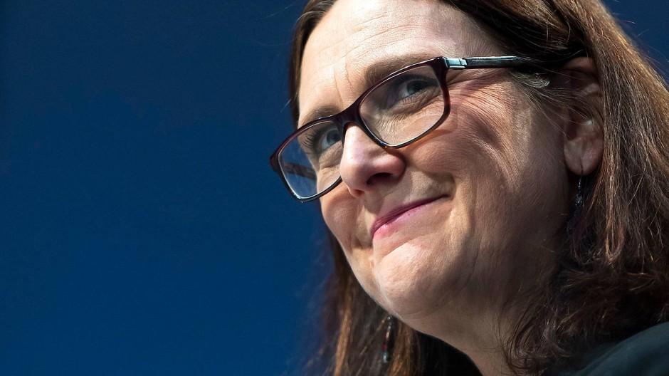 EU-Handelskommissarin Cecilia Malmström zeigt sich zuversichtlich in Davos.