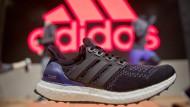 Statt Waschmittel künftig Laufschuhe - Kasper Rorsted ist dennoch sehr gut geeignet, um Adidas voranzubringen, finden nicht zuletzt die Anleger an der Börse.