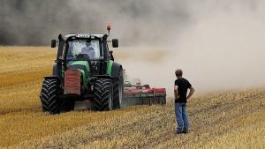 Kauder sagt Bauern Unterstützung zu