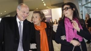 Erfolgreich: L'Oreal-Großaktionärin Liliane Bettencourt (Mitte) mit Tochter Francoise und Vorstand Jean-Paul Agon.