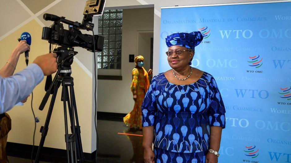 Ngozi Okonjo-Iweala wird die erste Frau an der Spitze der WTO.