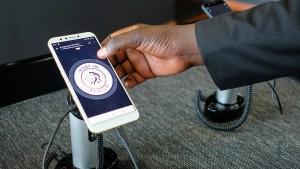 """Ein Mobiltelefon """"made in Africa"""""""