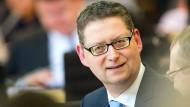 """""""Wer glaubt, dass man mit Sparen alleine Europa zusammenhalten kann, der irrt gewaltig"""", sagt Thorsten Schäfer-Gümbel."""